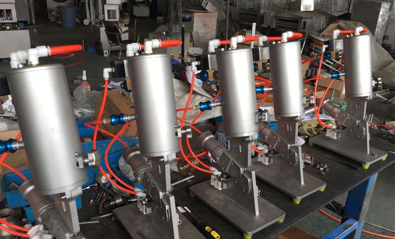 Whole Chicken Packaging Pneumatic Clipper Machine